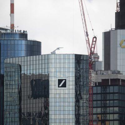 Deutsche Bank and Commerzbank Disagree Over Timing of Talks