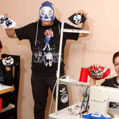 Coronavirus: Mexican wrestlers sew Lucha Libre face masks