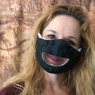 Read My Lips, Under this No-Sew Mask
